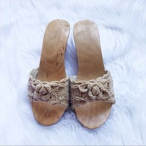 Vintage Wooden Crochet Shoes Wedge Mules Sz5